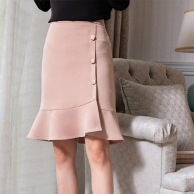設計所在Lady-裙側邊訂鈕扣素色魚尾裙(二色M-2XL可選)