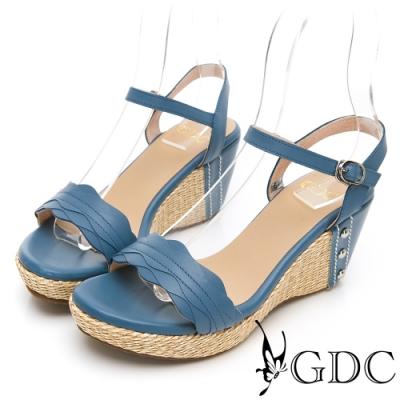 GDC-真皮波浪紋夏日草編一字楔型涼鞋-藍色
