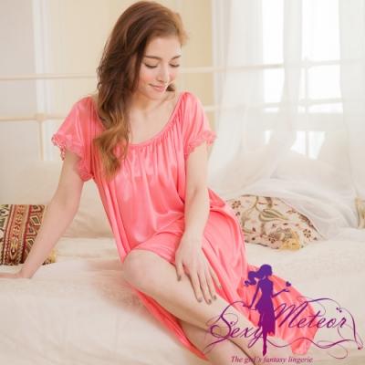 睡衣 大尺碼 抓褶素色冰絲短袖蕾絲花邊連身裙睡衣(珊瑚紅) Sexy Meteor