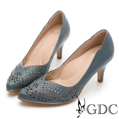 GDC-質感細緻雕花簍空真皮尖頭V型剪裁高跟鞋-藍色