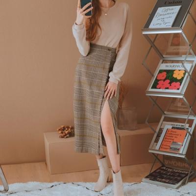 AIR SPACE LADY 格紋抽鬚造型開衩長裙(咖啡)