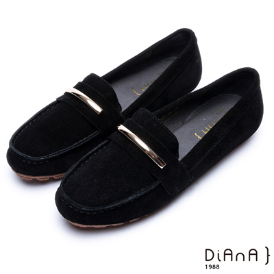 DIANA 奢侈品味—金屬飾釦牛几皮平底休閒鞋-黑