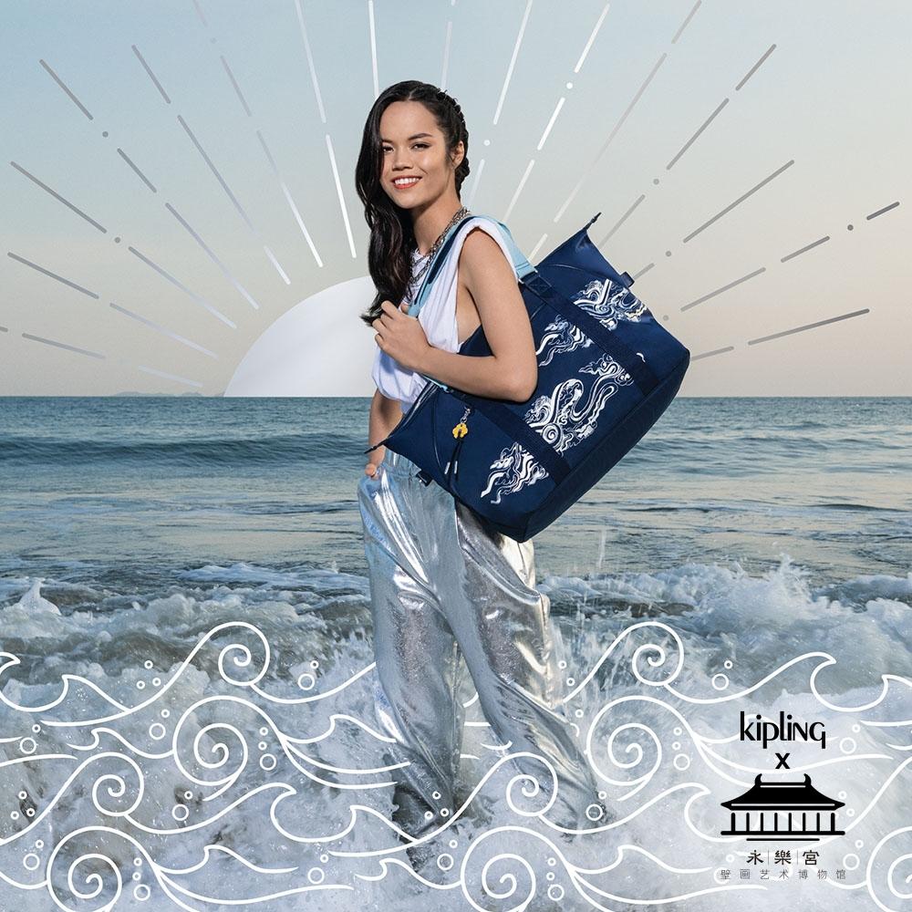 Kipling X 永樂宮聯名系列深藍底雲間盛境手提側背包-ART M