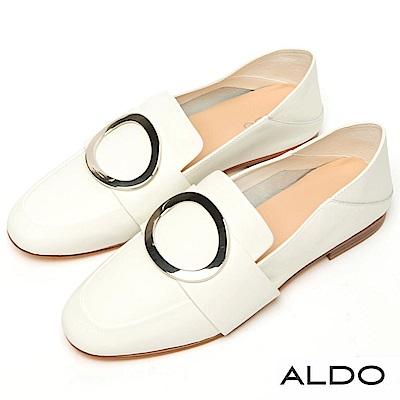 ALDO 原色真皮鏤空圓環金屬釦帶粗跟樂福鞋~清新白色