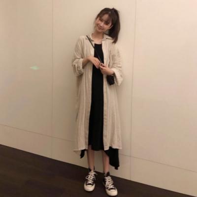 La Belleza素色麻料長版開釦薄款寬鬆排釦襯衫外套
