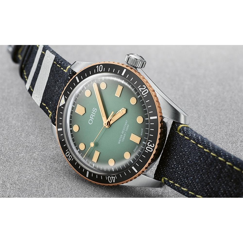Oris x Momotaro Divers 65 特別版青銅錶 丹寧布套組 0173377074337-Set