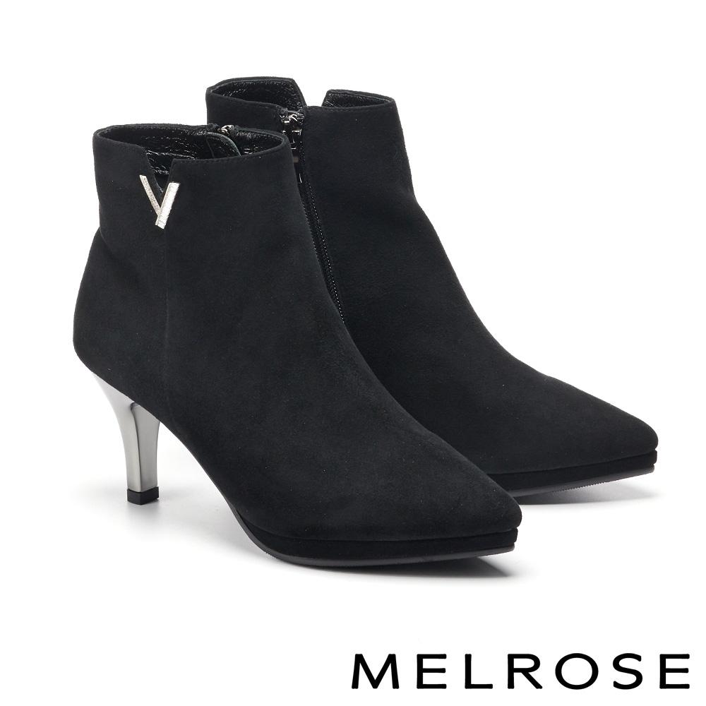 短靴 MELROSE 時尚魅力 V 型鑽飾造型羊麂皮高跟短靴-黑
