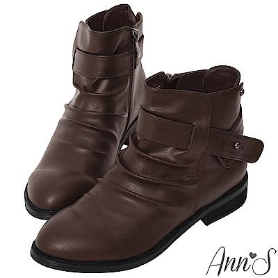 Ann'S手工抓皺造型釘扣低跟平底短靴-咖