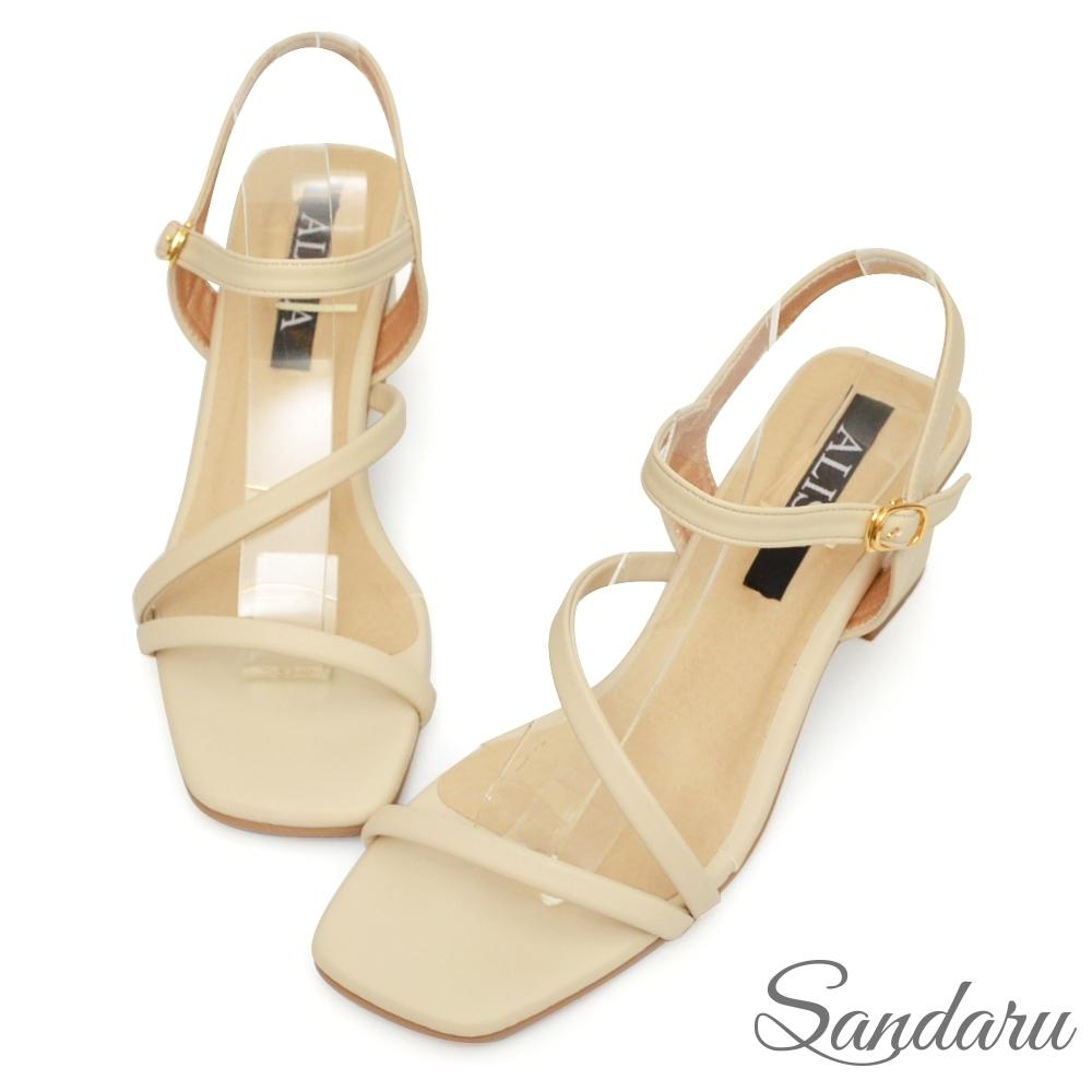 山打努SANDARU-方頭鞋 溫柔小姐姐一字斜帶側釦高跟涼鞋-米