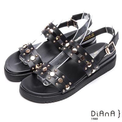 DIANA 率性自我—特色雙繞帶光澤質感真皮涼鞋-黑