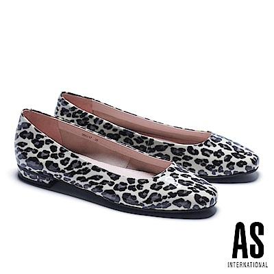 低跟鞋 AS 玩色豹紋超軟牛漆皮方頭低跟鞋-米
