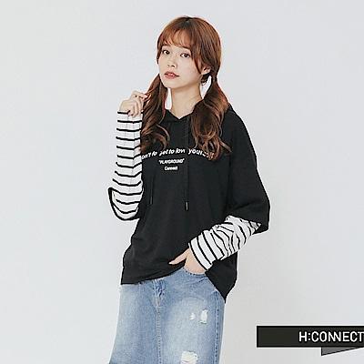 H:CONNECT 韓國品牌 女裝-假兩件條紋拼接帽T-黑