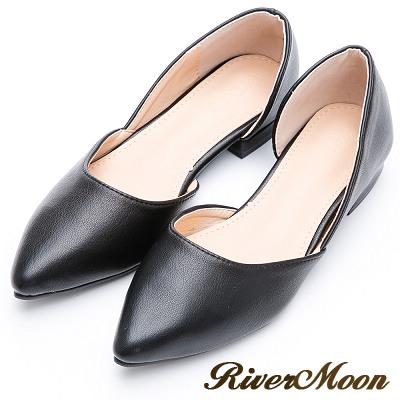 River&Moon簡約經典素面皮質側挖空尖頭鞋-黑