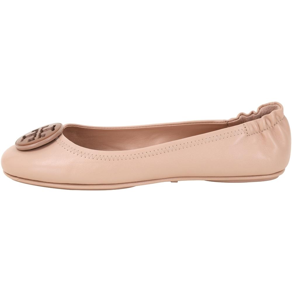 TORY BURCH Minnie Travel 撞色雙T盾牌折疊平底鞋(裸砂色)
