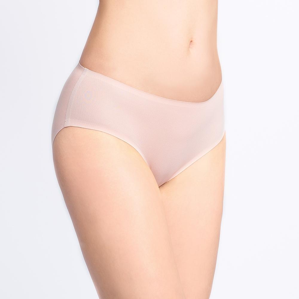 黛安芬-無痕內褲系列 高科技黏合中腰平口內褲 M-EL 裸膚色