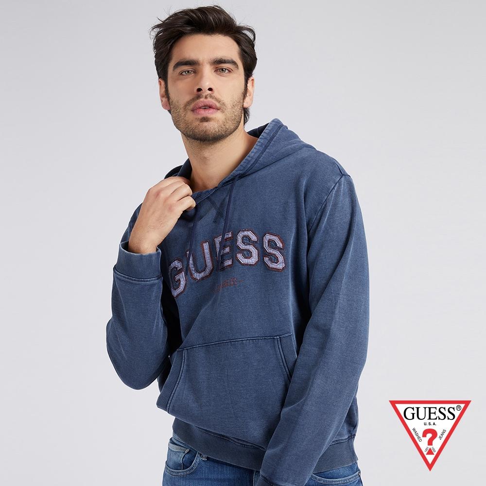 GUESS-男裝-美式刺繡LOGO帽T-藍 原價2790
