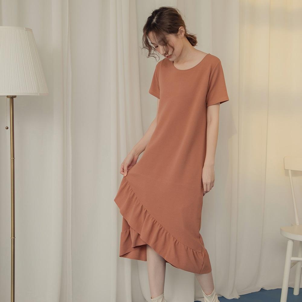 純色層次波浪裙襬拼接短袖圓領長洋裝-OB嚴選