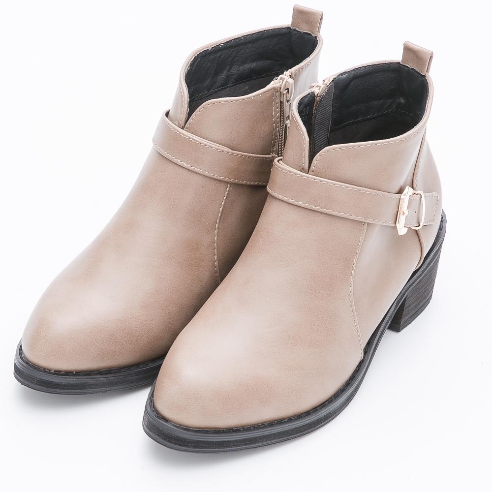 River&Moon大尺碼-時尚顯瘦前V口扣環短靴-卡其灰