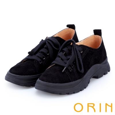 ORIN 潮流同步 真皮綁帶百搭平底休閒鞋-黑色