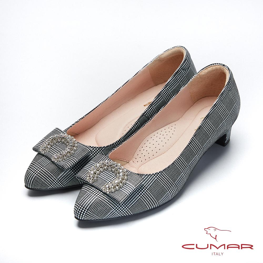 CUMAR文藝羅浮宮- 特殊格紋半月鑽飾扣尖頭低跟鞋-黑