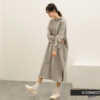 H:CONNECT 韓國品牌 女裝 -反光印字長版帽T洋裝-淺花灰