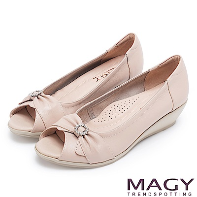 MAGY 甜心女孩 蝴蝶結鑽飾牛皮魚口楔型跟鞋-粉色