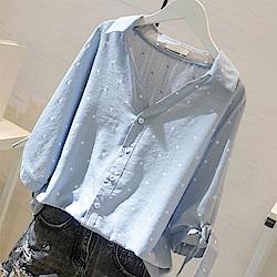 初色  V領波點休閒襯衫-共2色-(M-2XL可選)