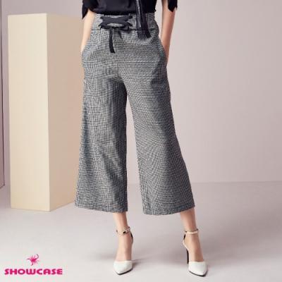 【SHOWCASE】時尚簡約千鳥格 挺版交叉緞帶綁腰七分西裝寬褲-黑
