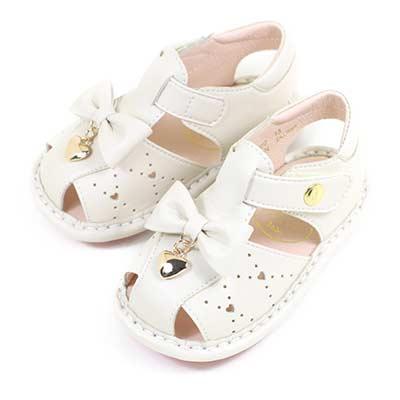 Swan天鵝童鞋-愛心吊飾雕花蝴蝶結寶寶涼鞋1572-米