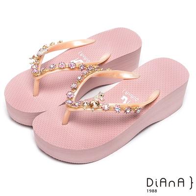 DIANA 清新甜美--粉嫩系耀眼小花鑽飾涼拖鞋-粉