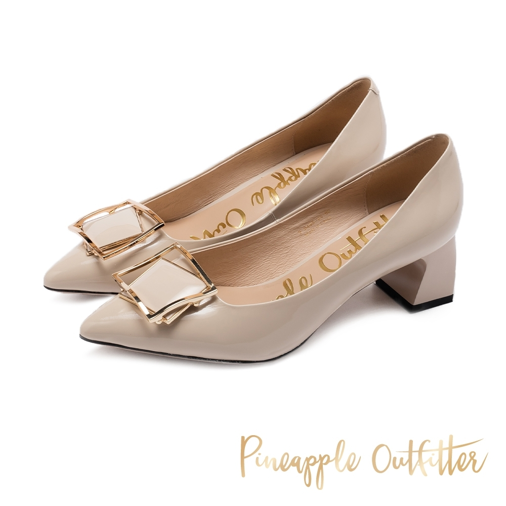 Pineapple Outfitter 層疊立體方型金屬釦 鏡面尖頭粗跟鞋-杏色