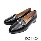 KOKKO - 輕盈休閒方頭彎折真皮平底鞋-黑