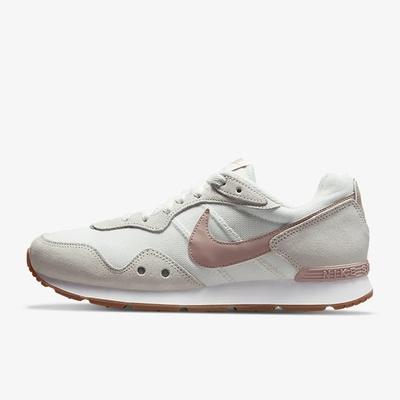 Nike Venture Runner Wide 女休閒鞋-白粉-DM8454106