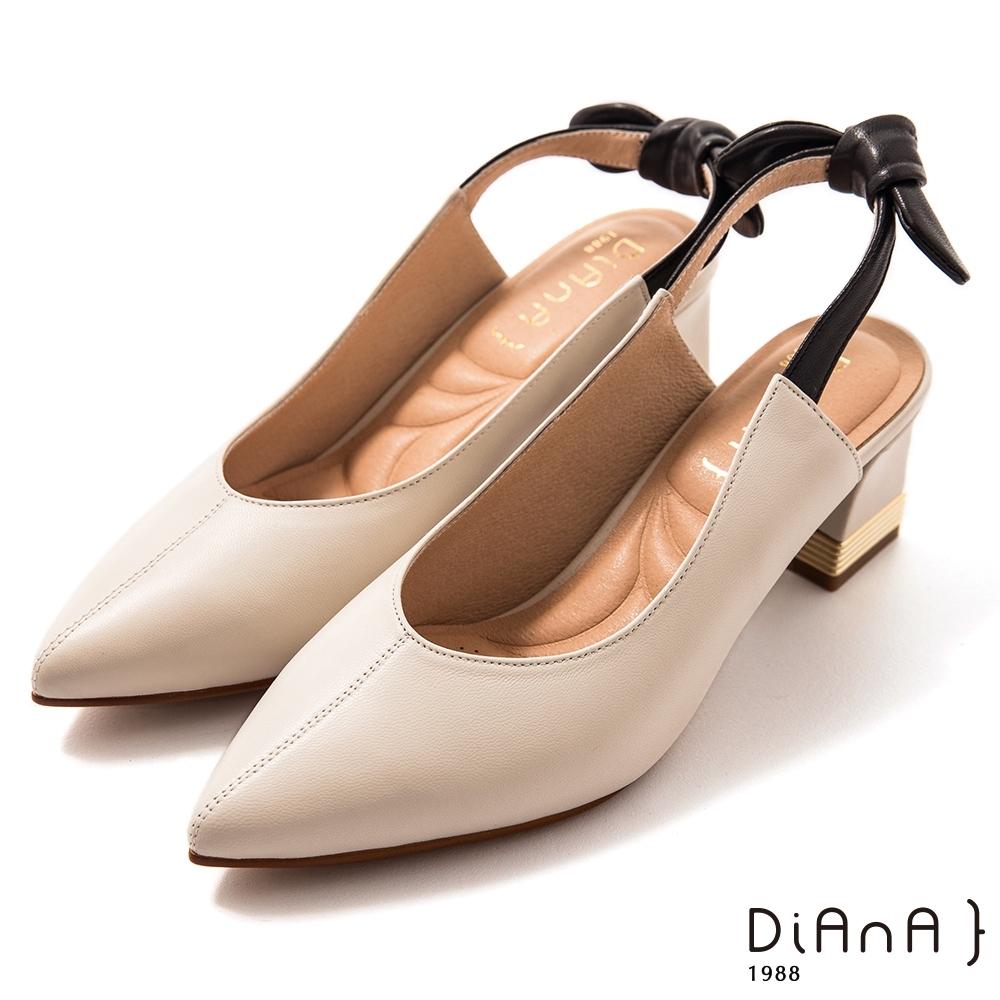 DIANA 7cm 軟羊皮撞色拼接蝴蝶結尖頭穆勒跟鞋-質感氛圍-牛奶白