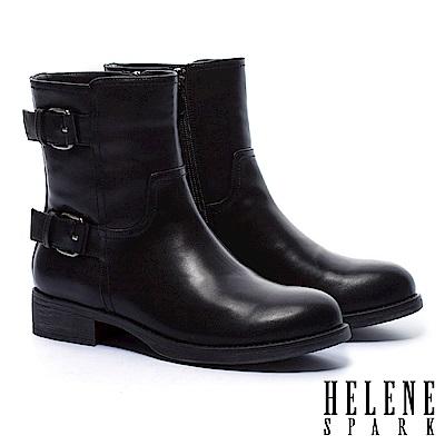 短靴 HELENE SPARK 經典率性俐落金屬釦繫帶粗跟短靴-黑