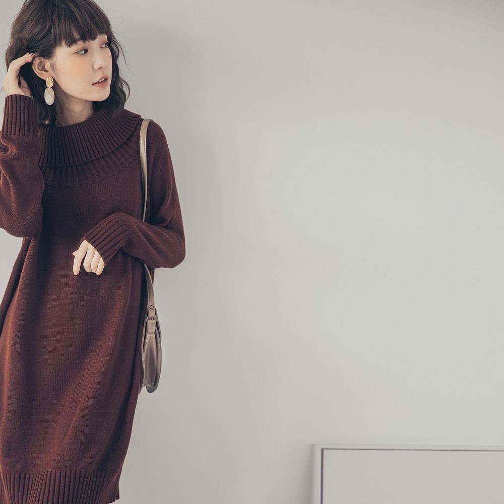 純色大翻領針織洋裝-OB大尺碼