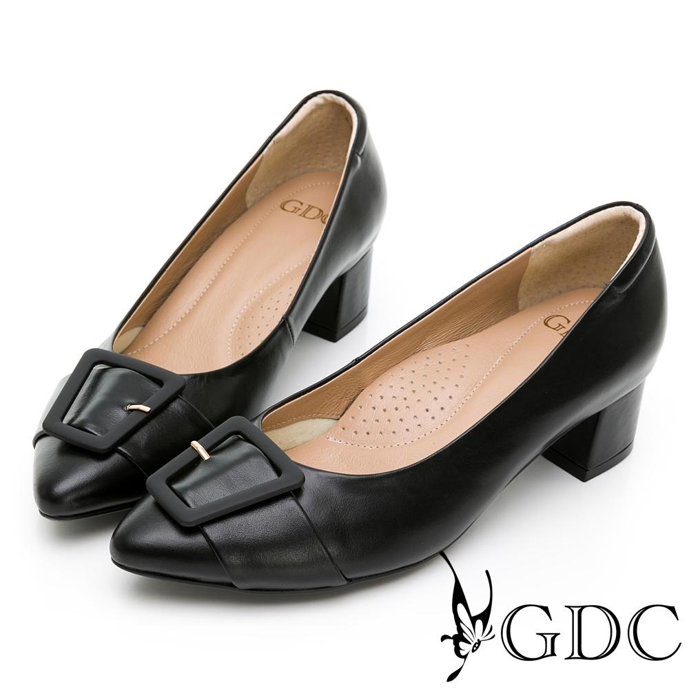 GDC-復古莊園歐風真皮方扣蝴蝶結素色尖頭中跟鞋-黑色