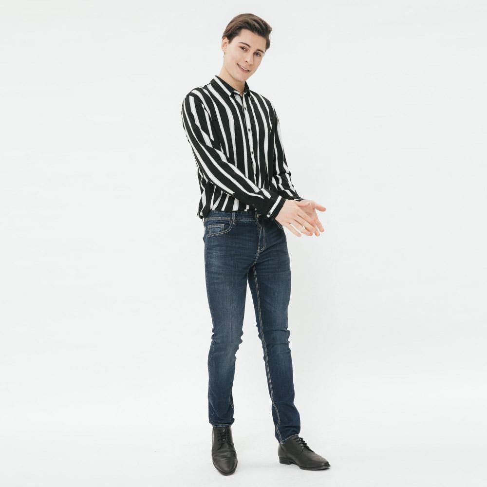 Hang Ten - 簡約刷色素面牛仔褲 - 藍
