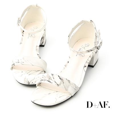 D+AF 完美獨特.大理石紋一字低跟涼鞋*杏