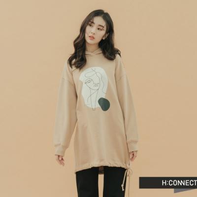 H:CONNECT 韓國品牌 女裝-手繪風抽繩長版帽T-卡其