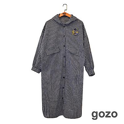 gozo CHILL細格連帽開扣長版襯衫(深藍)