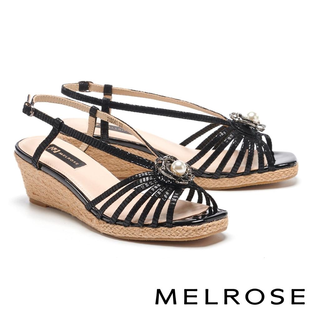 涼鞋 MELROSE 別致高雅珍珠晶鑽花飾草編楔型涼鞋-黑