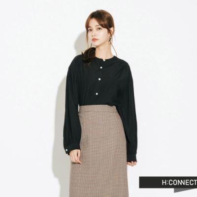 H:CONNECT 韓國品牌 女裝-圓領排扣抓皺上衣-黑