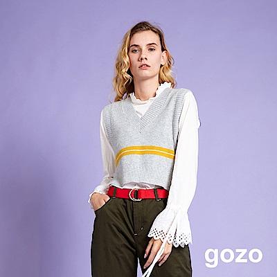 gozo 蕾絲縷空喇叭袖圓領上衣(白色)