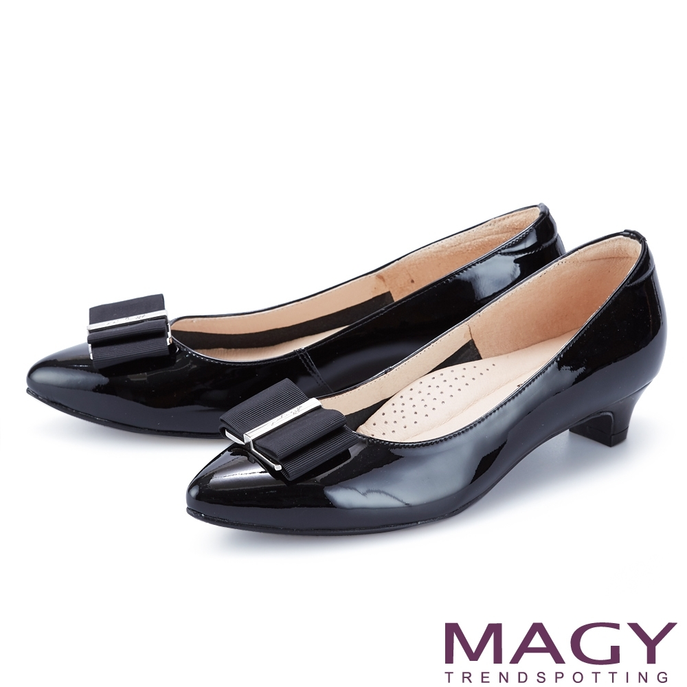 MAGY 金屬釦+織帶蝴蝶結真皮尖頭 女 低跟鞋 黑色