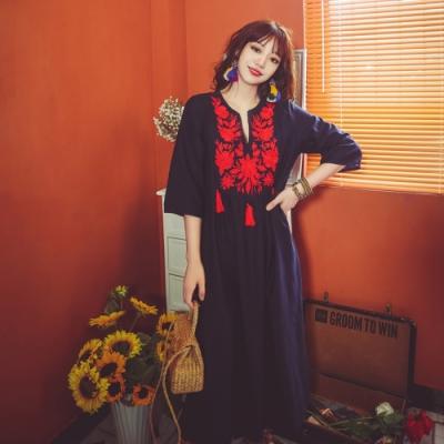 流蘇刺繡小V領七分袖民族風洋裝S-XL(共三色)-維拉森林