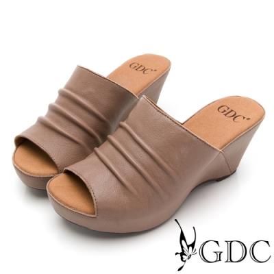 GDC-時尚尖端真皮抓皺磨砂素色簡約楔型厚底拖鞋-灰色