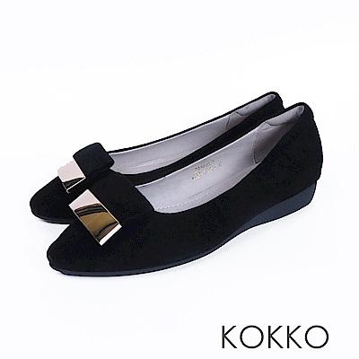 KOKKO -發現美好金屬扣真皮尖頭平底鞋-麂皮黑