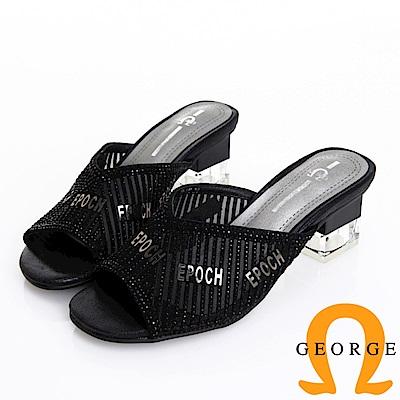 GEORGE 喬治皮鞋 質感水鑽字母v斜口時尚方跟拖鞋 -黑