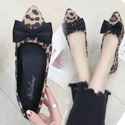 KEITH-WILL時尚鞋館 蝴蝶結綁帶造型平底鞋-米色